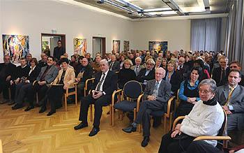 Eine große Zuhörerschaft folgte interessiert den Ausführungen der Redner. Foto: Werner Dupuis