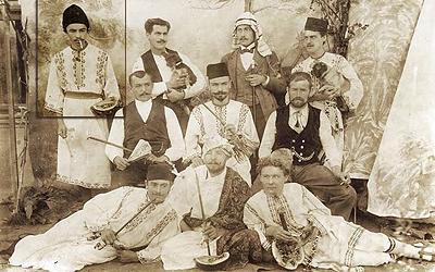 1897 in Bukarest, hintere Reihe, 1. von links
